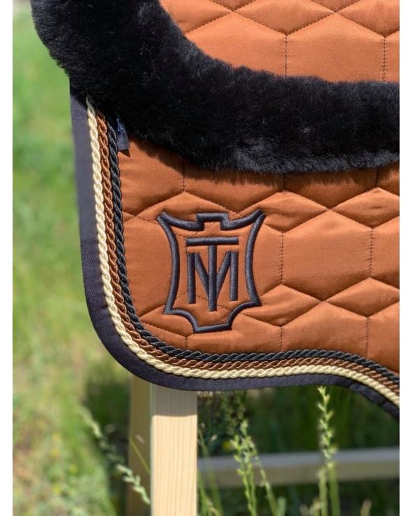 Czaprak Eurofit z obszyciem z przodu i z tyłu futrem naturalnym bez futra pod panelami MATTES nougat Sheen Saddle Fix